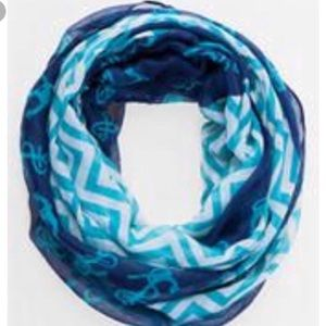 Francesca's Infinity scarf NWT